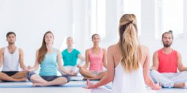 Grundkurser i yoga